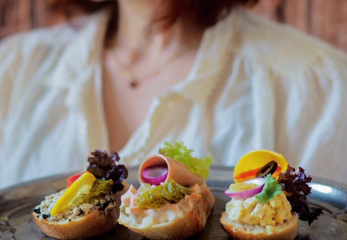 Chlebíčky, czyli historia w kanapce